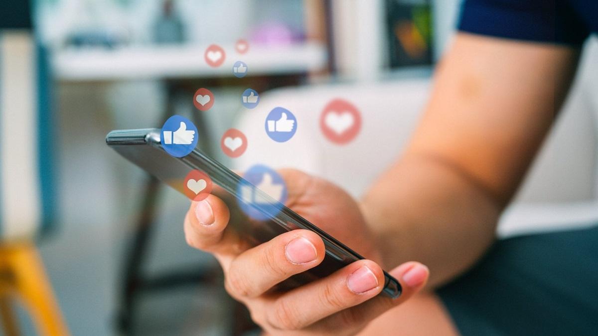 Comment Montrer son travail sur les réseaux sociaux ?